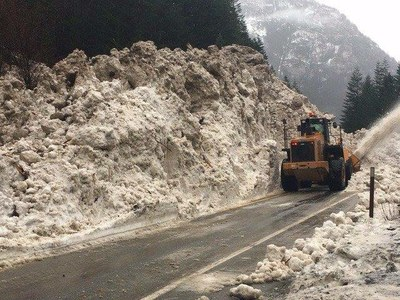 WSDOT road clearing