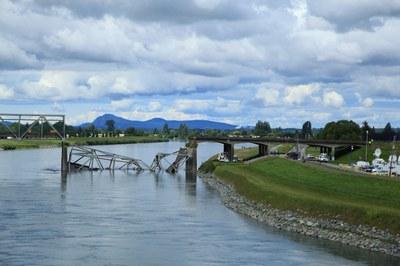Skagit-Bridge